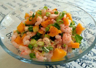 Rejesalat med forårsløg, mango og chili…