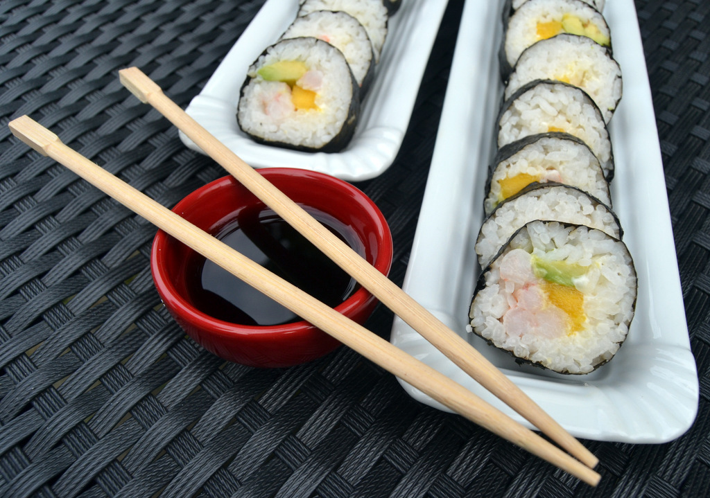 """Hjemmelavet sushi – """"California Rolls""""…"""