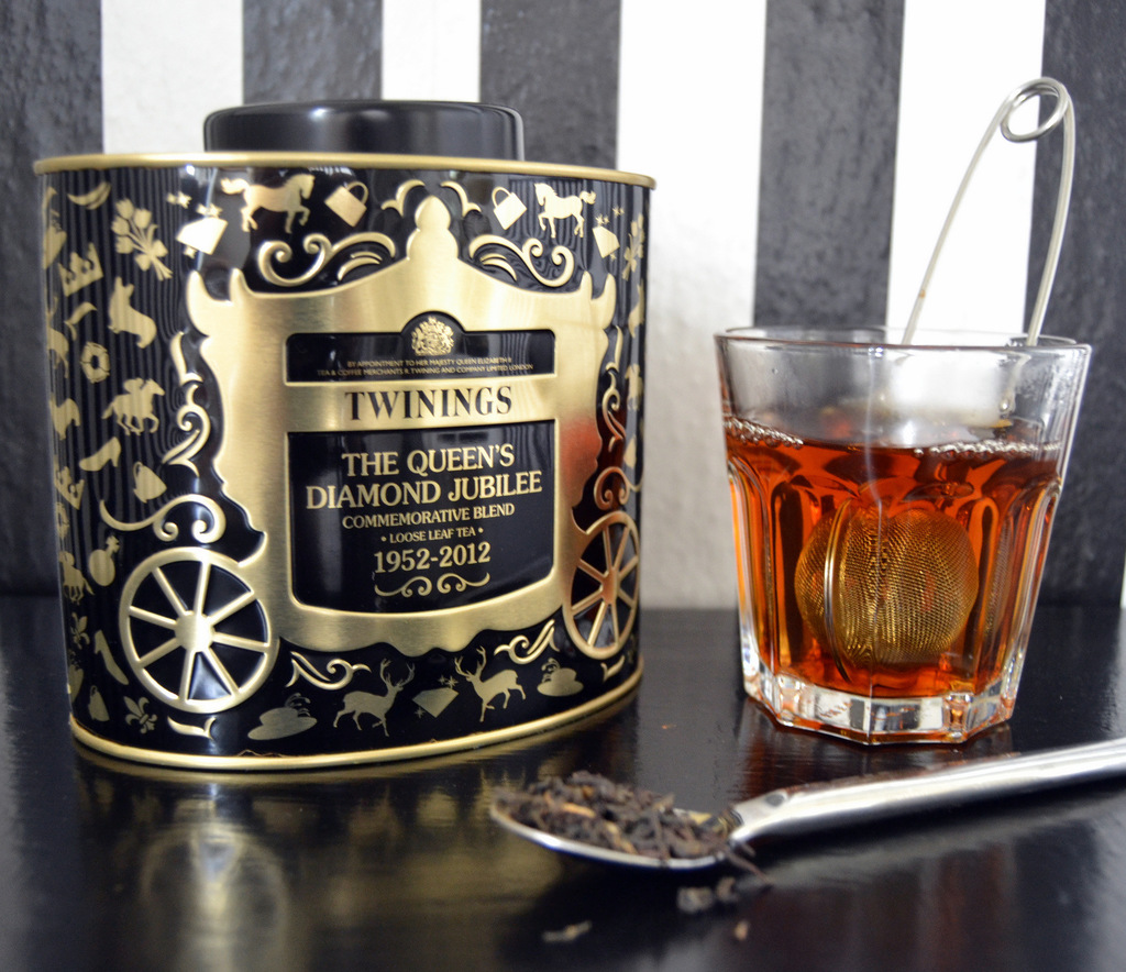 "Anmeldelse – Twinings ""The Queen's Diamond Jubilee"" te…"