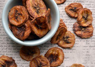 Ristede og sprøde bananchips – verdens simpleste snack..