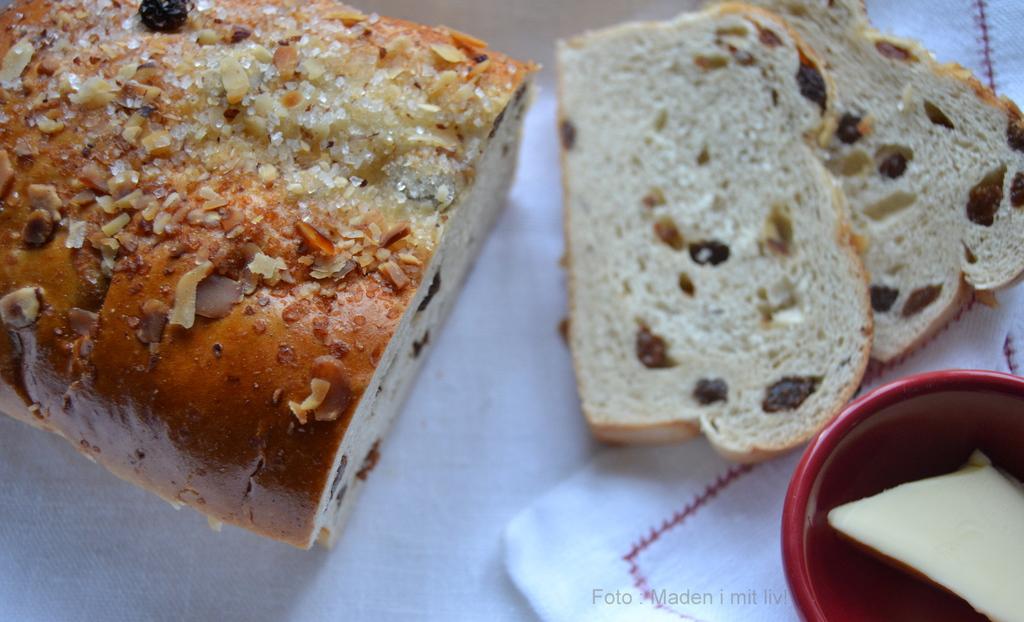 lækkert hjemmebagt brød