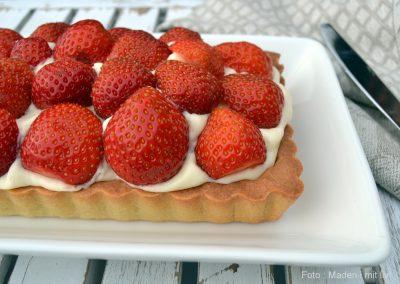 Jordbærtærte med mazarinbund og vanille-flødecreme…
