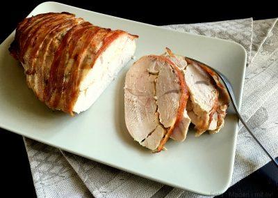 Fyldt kalkunbryst med pikantost og bacon…