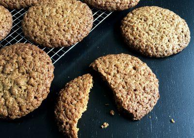Sprøde cookies med havregryn og grahamsmel…