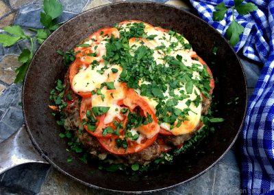 Lækker pandebøf med ost og tomat…