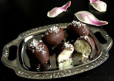 Lækre påskeæg med kokos og chokolade…