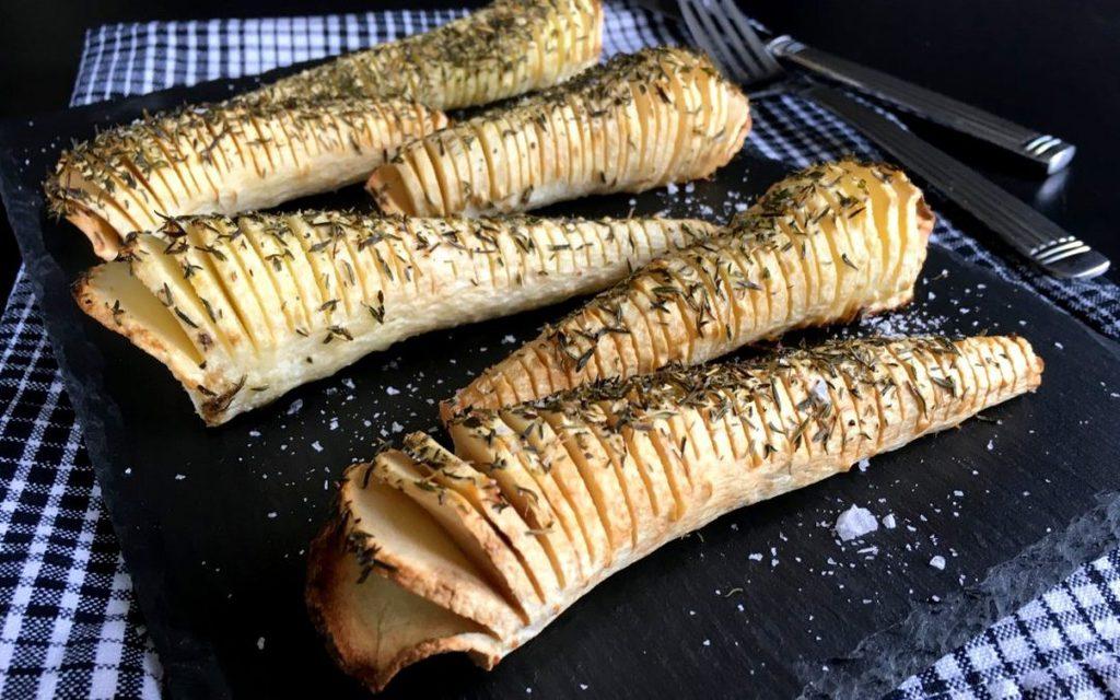 Pastinakker a la hasselback med timian…