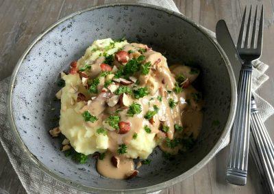 Enebærgryde med kartoffelmos…