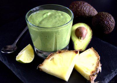 Grøn smoothie med avocado og spinat…